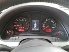 Audi-RS4-25