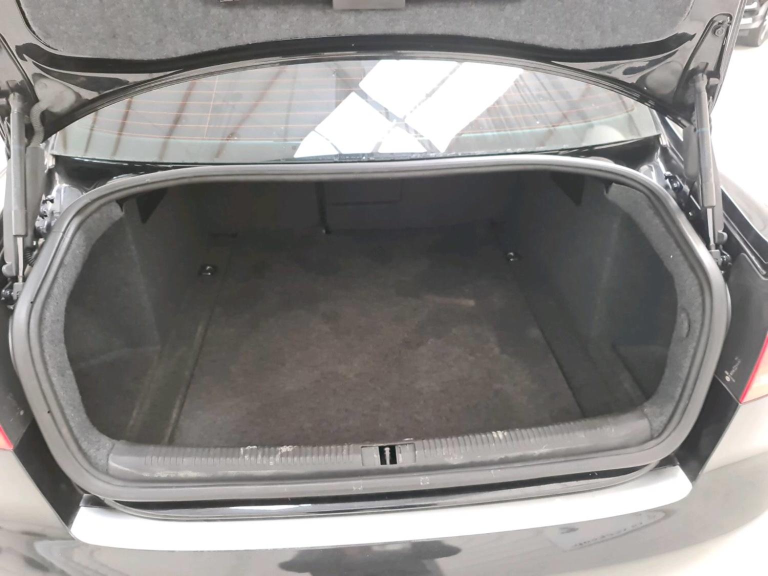 Audi-RS4-19