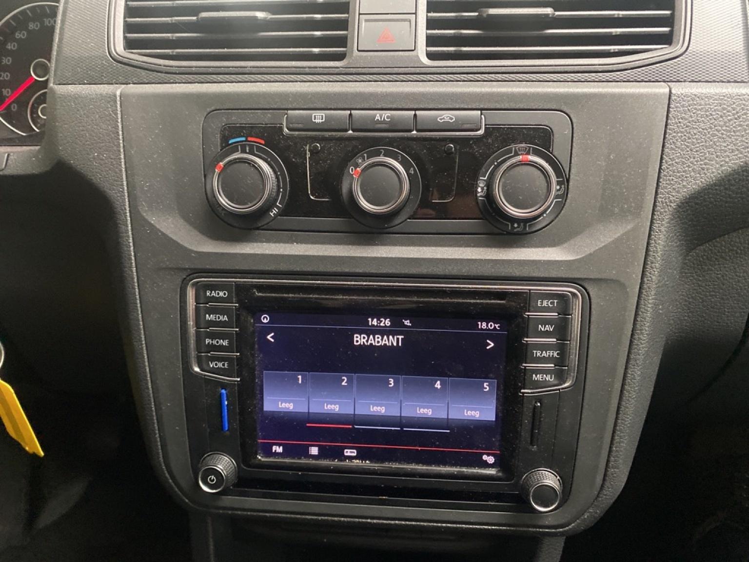 Volkswagen-Caddy-14