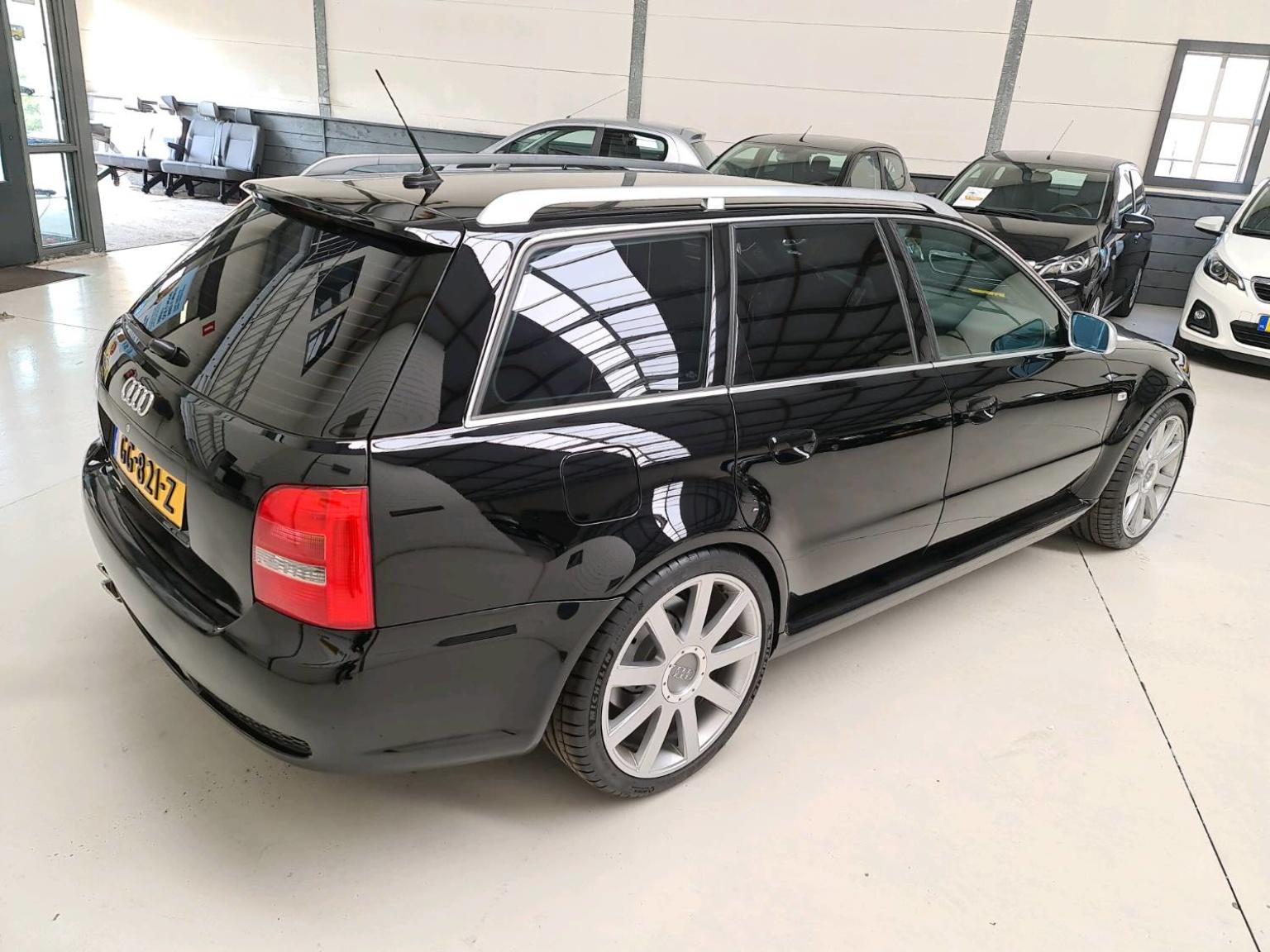 Audi-RS4-18