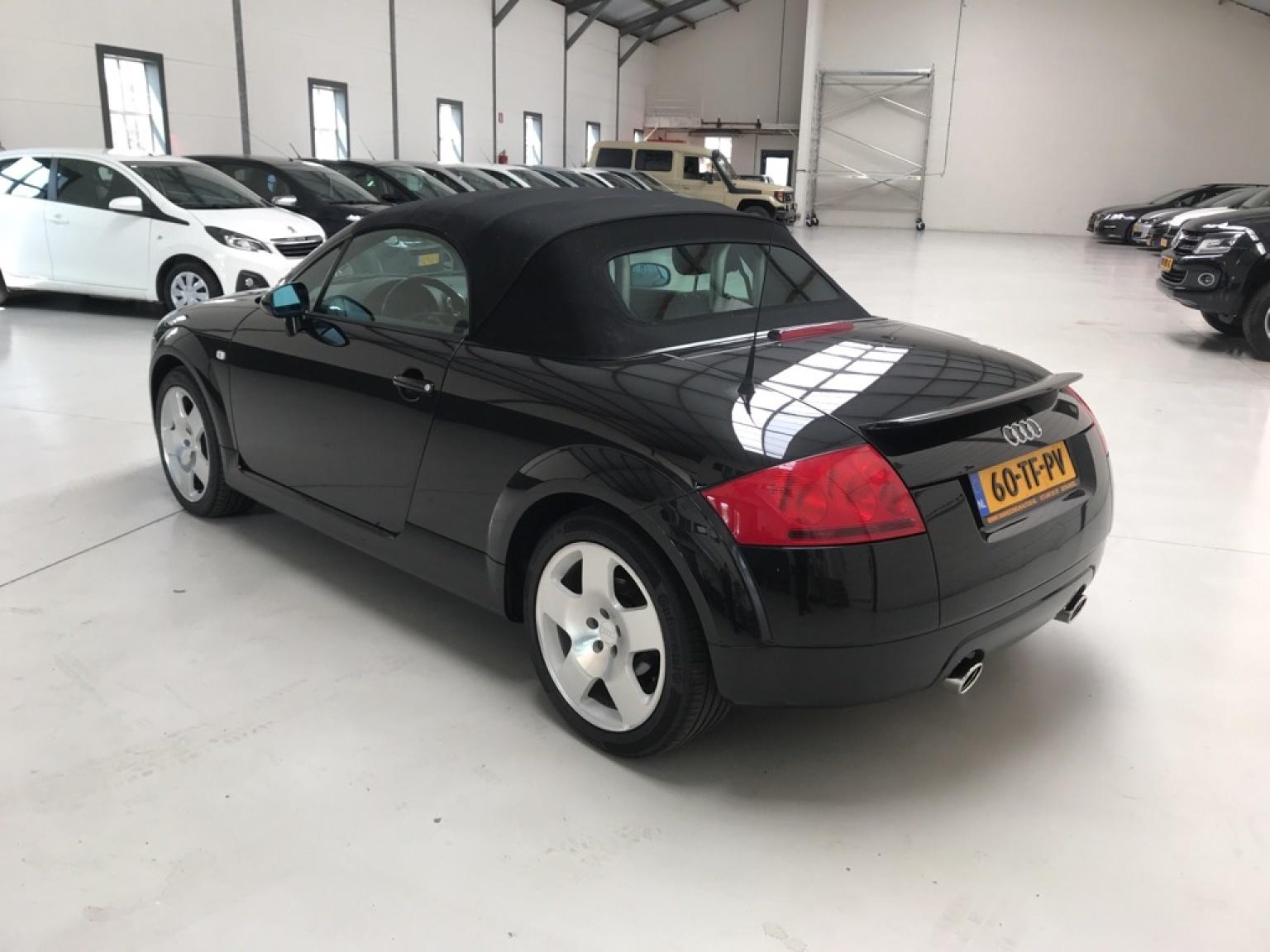 Audi-TT-5