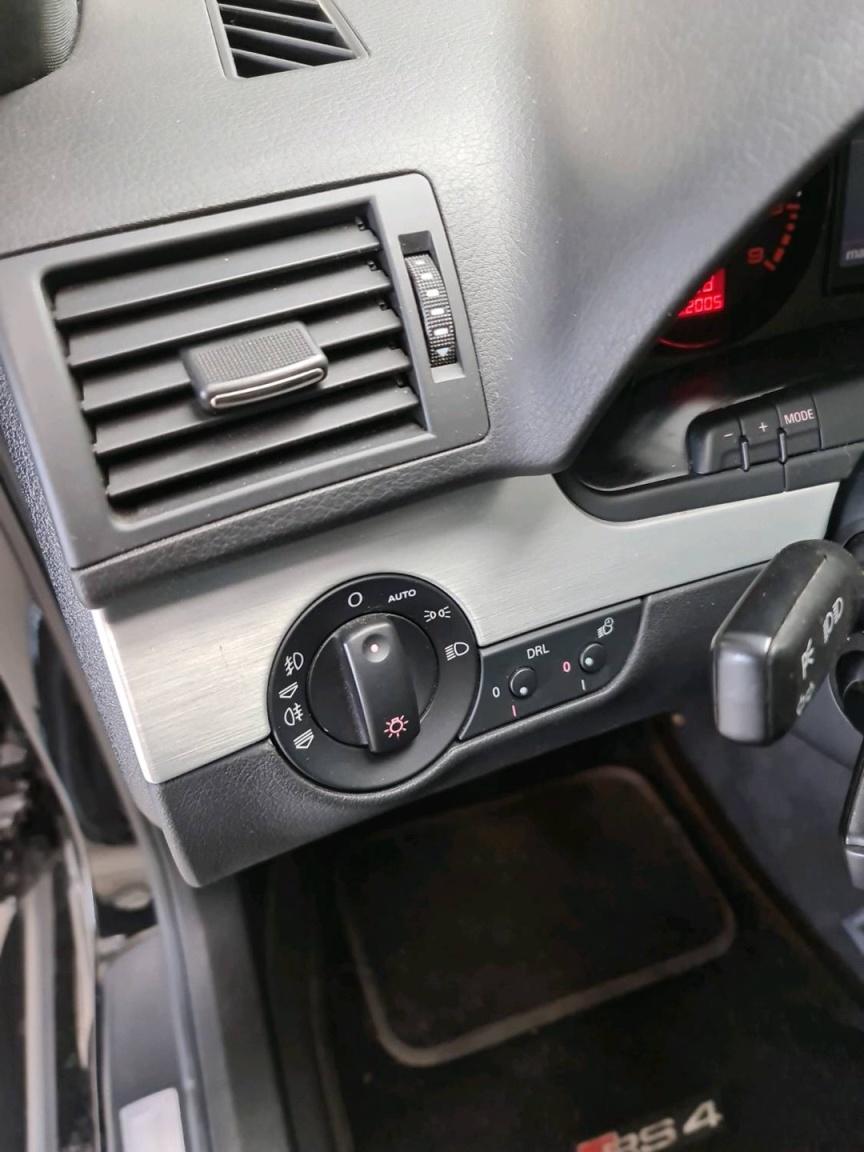 Audi-RS4-15