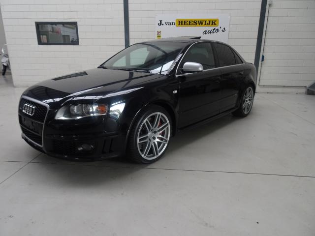 Audi-RS4